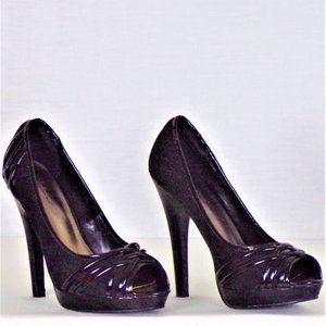 Ultra-high-heel pumps size 8 black open-toes